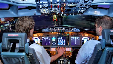 Experience the fun of flying large commercial planes, so realistic it's unbeliavable!